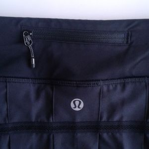 Lululemon black workout skirt/shorts